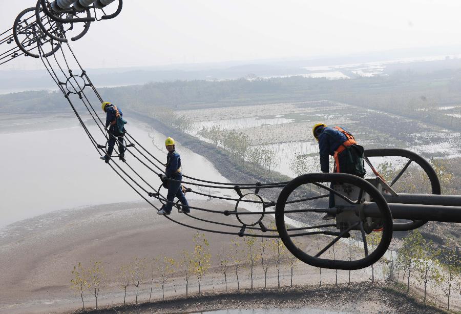 向家坝至上海±800千伏高压直流输电线路冬季检修