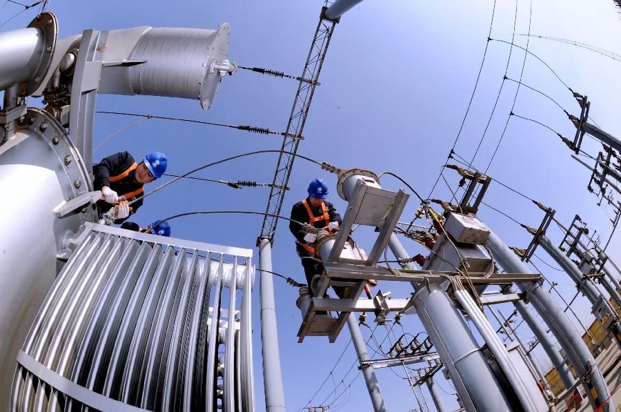 河北加紧维护保养电力设备保障春耕